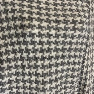 Accessories - Houndstooth Knit Wrap